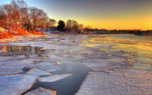 Весенний лед: правила безопасности